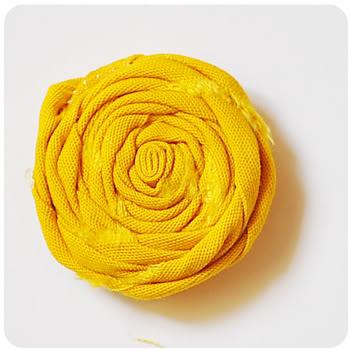 comment faire des fleurs du tissu enroul es tissurecycle net blog. Black Bedroom Furniture Sets. Home Design Ideas